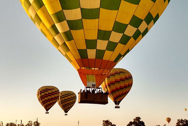 Balloons-Above-the-Valley